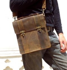 Messenger Bag Leather Ipad Bag 11 inch Laptop Bag Tablet Case in Brown IB12