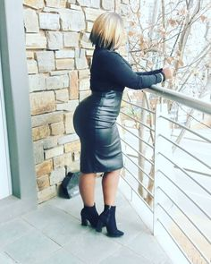 Casual winter outfits for plus size women black leather skirt outfits black leather pencil skirt outfits for curvy women Black Leather Skirt Outfits, Black Pencil Skirt Outfit, Black Leather Pencil Skirt, Pencil Skirt Outfits, Casual Skirt Outfits, Casual Winter Outfits, Business Casual Skirt, Winter Skirt Outfit, Fashion Looks