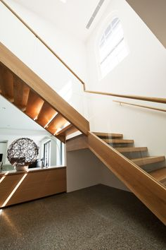 WOW   American Oak   Stained   Recessed Wall Stringer   Sandwiched Treads & Stringer   Clean Lines   Bold   Feature   Architecture   Modern   Timber Handrail   Beautiful