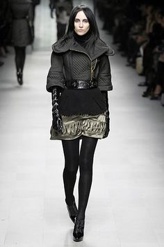 Burberry Fall 2007 Ready-to-Wear Collection Photos - Vogue