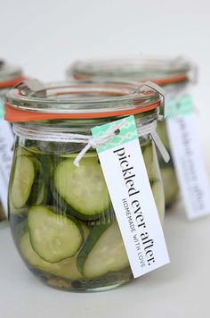 DIY Wedding Favor: Homemade Pickles (With Printable Tag!) DIY Wedding Favor: Homemade Pickles (With Printable Tag! Homemade Wedding Favors, Soap Wedding Favors, Creative Wedding Favors, Wedding Favors For Guests, Bridal Shower Favors, Wedding Reception, Wedding Parties, Wedding Ideas, Wedding Inspiration