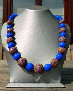 lange ketting met handgemaakte parels oker - blauw gemarmerde parels