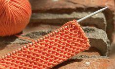 Cómo tejer Punto Escama. El Punto Escama se utiliza mucho para hacer chaquetitas, canesúes y todo tipo de ropita de bebé, aunque realmente lo podemos aplicar a todo tipo de prendas y mezclar con otros puntos para conseguir diferentes texturas. Se trata de un punto con relieve, muy sencillo de hacer, que queda mejor con… Knitting Stitches, Crochet Projects, Knit Crochet, Diy, Sewing, Pattern, Handmade, Crafts, Fashion Design