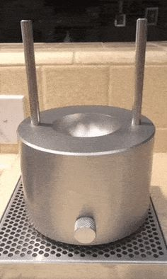 [GIF] I need this thing Interior Design Kitchen, Interior Design Living Room, Ice Molds, Weekend Projects, Bare Necessities, Tecno, Wine And Spirits, Gag Gifts, Cool Tools