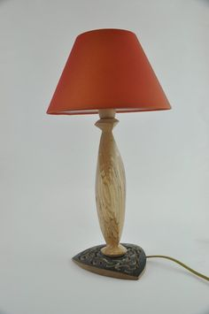 lampe new york bois chantourn et peint la main mod le. Black Bedroom Furniture Sets. Home Design Ideas