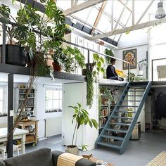 deco loft atelier vegetal dream house luxury home house rooms bedroom furniture home bathroom home modern homes interior penthouse Deco Studio, Loft Studio, Studio Home, Studio Loft Apartments, Art Studio Room, Studio Apartment Design, Art Studio Design, Blog Deco, Loft Design