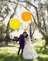 Amazing these big balloons for your wedding photography session / Prachtig deze mooie grote helium ballonnen voor je bruiloft en trouwreportage.