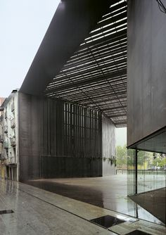 Gallery of library game library municipality for Arquitectes girona