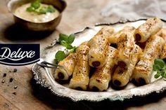 Przepis na szybką i prostą przekąskę na imprezę – kabanosy w cieście francuskim z musztardowym sosem. Świetne na ciepło i na zimno!
