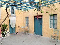 #Hostel #Caveland #Santorini #Greece © Francisco J. Santos