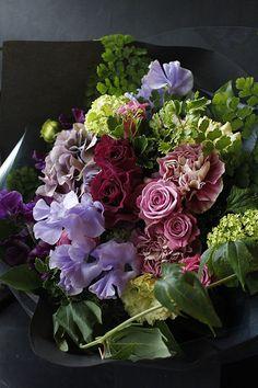 Pin by Ha na no on Flower Colorful Purple Flower Arrangements, Purple Bouquets, Purple Flowers, Rustic Wedding Flowers, Flower Decorations, Flower Centerpieces, Wedding Centerpieces, Wedding Decorations, Cactus Y Suculentas