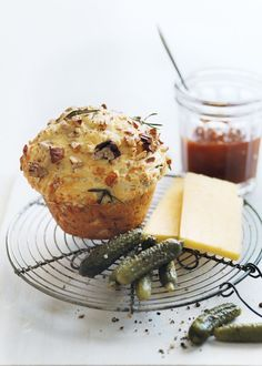 Rosemary, Cheddar and Pecan Damper Muffins-Donna Hay Lunch Recipes, Sweet Recipes, Dessert Recipes, Cooking Recipes, Savoury Baking, Savoury Cake, Quiches, Donna Hay Recipes, Savory Muffins