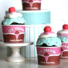 Cupcakes that look like icecream, I deeply & sincerely HATE frosting & especially that gross fondant; so I must find a way to make these adorable cupcakes a different way. Sundae Cupcakes, Ice Cream Cupcakes, Ice Cream Cookies, Cute Cupcakes, Ice Cream Party, Cupcake Cookies, Simple Cupcakes, Cupcake In A Cup, Cupcake Party