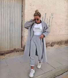 ae012a7f cozy grey and white outfit, street style fashion, comfy and stylish, trendy  sweatpants