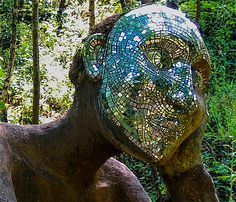 Sculpture of Eve by Pete & Sue Hill--Eden project Cornwall (by Lorraine)
