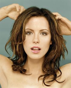 Kate Beckinsale 2001 portrait (X-post from /r/FamousFaces)