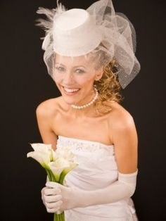 womens top hats | Bridal top hat with veil and feathers decorations | Womens Bridal ...