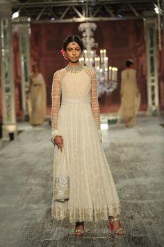 #White#Royal#Courtesan#Bridal#Embellishments#Silhouette