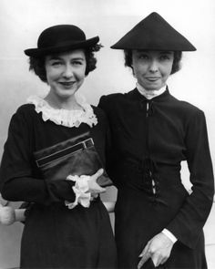 Sisters Dorothy and Lillian Gish, Paris 1935.