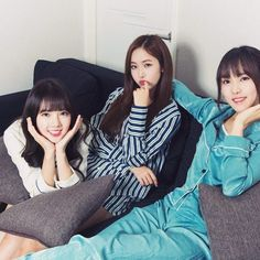 SinB, #Yuju & #Yerin - 'Pikicast After Mom's Asleep'   —  Source: pikicast.com/contents-slide…!