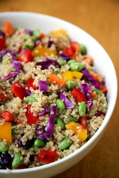 Quinoa is anything but boring in this sesame-ginger salad with protein-packed edamame, crunchy cabbage, and rich sesame oil. Get the recipe: sesame-ginger Quinoa Lunch Recipes, Salad Recipes, Vegan Recipes, Veggie Meals, Qinuoa Recipes, Veggie Food, Vegan Foods, Vegetarian Meals, Vegan Vegetarian