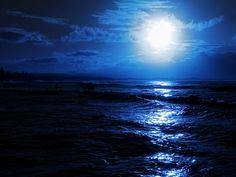 Into the Echo, Bon Jovi with lyrics. Into the Echo, Bon Jovi con testo. Ocean At Night, Night Sea, Deep Wallpaper, Sunset Wallpaper, Surfing Wallpaper, Wallpaper Ideas, Best Nature Wallpapers, Moon Photography, Amazing Nature
