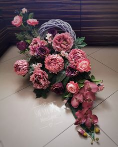 Vence, Container Plants, Funeral, Flower Arrangements, Floral Wreath, Wreaths, Garden, Diy, Home Decor