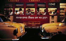 Traffic jam in Calcutta, India. Cinematic Photography, History Of Photography, Photography Workshops, Documentary Photography, Color Photography, Film Photography, Street Photography, Inspiring Photography, Stephen Shore