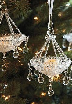 Christmas tree this  the Set of Four Glass Chandelier Ornaments