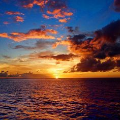 "#Madinina vue par @epsealon_spearfishing: ""The weekend is already finished...  Great week friends spearman & spearwoman  #sunset #sea #sun #cloud #or #blue #spearfishing #martinique #deep #chassesousmarine #pesca #sub #epsealon"" #WeLike ! A voir sur Instagram : http://ift.tt/1WL471S"