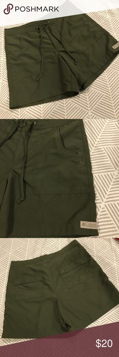 "Columbia hiking shorts - olive green Excellent, like-new condition! Olive green. Size small. Waist measures 15.5"" across, inseam is 4.75"". Columbia Shorts"