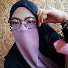Hijab Niqab, Hijab Chic, Muslim Girls, Muslim Women, Mode Niqab, Niqab Fashion, Hijab Cartoon, Islamic Girl, Casual Hijab Outfit