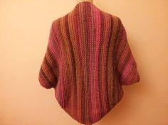 Free pattern on Ravelry Chaqueta-kimono by Belen Perales. Bolero Sweater, Knit Shrug, Crochet Cardigan, Knitted Shawls, Crochet Shawl, Knit Crochet, Knitting Paterns, Loom Knitting, Knit Patterns