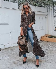 30 Clever Fall Outfits Ideas For Women - Street Style Outfits Fashion Week, Look Fashion, Autumn Fashion, Modest Fashion, Fashion Outfits, Womens Fashion, Dress Over Jeans, Moda Chic, Spring Outfits
