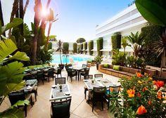 Wellicht heeft u, zonder het te weten, al eens kennis gemaakt met het Beverly Hilton. Dit is het hotel waar jaarlijks de beroemde 'Golden Globes' worden uitgereikt. Een hotel voor sterren, natuurlijk met de excellente Hilton service. Hier is het zien en gezien worden. George Clooney, Angelina Jolie, Marilyn Monroe en vele anderen gingen u voor.