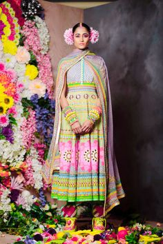 The vibrant Spring/Summer 2015 line of Indian wear is within reach Colorful Fashion, Asian Fashion, High Fashion, Haute Couture Style, Mode Baroque, Cute Outfits With Jeans, Manish Arora, Indian Textiles, Indian Ethnic Wear