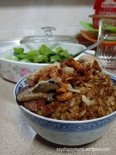 Mum seemed to have heard my silent reminiscencesabout her authentic charcoal-cookedclaypot chicken rice when I was still a kid. Or maybe she herself had a craving for it too. Since we are all t...