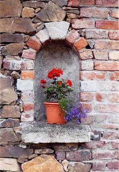 Garden Wall Alcove