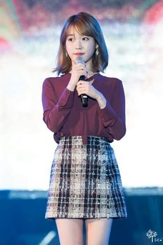 "IU - 170922 ""Yongin Cultural"" Festival Iu Fashion, Korean Fashion, Fashion Beauty, Korean Girl, Asian Girl, Gangnam Style, Professional Outfits, Korean Celebrities, Ulzzang Girl"
