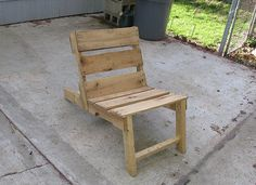 Wood pallet chair.