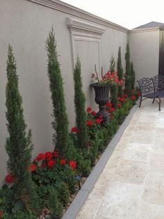 35 Cool Side Yard Landscaping Ideas on a Budget - Homeflish Back Garden Landscaping, Backyard Patio Designs, Landscaping Ideas, Front Yard Garden Design, Florida Landscaping, Backyard Ideas, Modern Garden Design, Garden Landscape Design, Modern Design