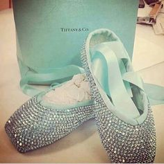 Uhoh @Wade Arce Tiffany blue is her favorite color....I'll have to make these happen someday!!