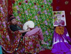 """Chinoise, artiste, saltimbanque à Pékin - Titouan Lamazou, Interview de l'artiste et portraits de femmes, Exposition """"Femmes du monde"""" - Titouan Lamazou : """"Meimei est une petite Chinoise que j'ai appréciée pour sa singularité. Elle est graphiste, elle écrit des livres pour enfants qu'elle lit ensuite dans les écoles maternelles..."""