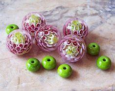 Pink-Red Clover. Handmade Lampwork Bead Set. Flower Blossom Lampwork Beads. Flower Petals Glass Beads. Summer Lampwork. Lampwork Clover.