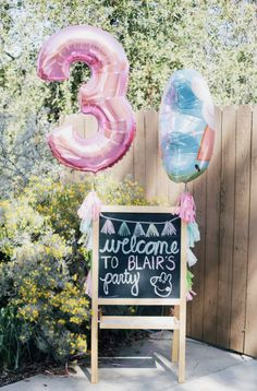 55 Ideas Party Girl Birthday Peppa Pig For 2019 4th Birthday Parties, Happy Birthday, Girls 3rd Birthday, Birthday Ideas, 4th Birthday Pictures, First Birthday Sign, Birthday Presents, Peppa Pig Birthday Cake, Peppa Pig Cakes