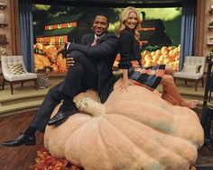Michael Strahan Sits On The World's Largest Pumpkin