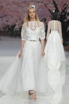 Inmaculada Garcia Barcelona Bridal Fashion Week 2017 - http://www.stylemepretty.com/2016/04/28/inmaculada-garcia-barcelona-bridal-fashion-week-2017/