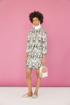 See the complete Kate Spade New York Resort 2018 collection.
