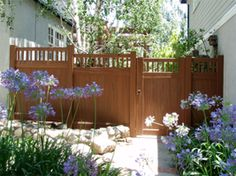 Vinyl Natural Privacy with Picket Accent,