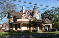 The beautiful Queen Anne style Capehart House in downtown Raleigh. Victorian Style Homes, Victorian Houses, Victorian Design, Victorian Architecture, Beautiful Architecture, Historic Architecture, Beautiful Homes, Beautiful Places, North Carolina Homes